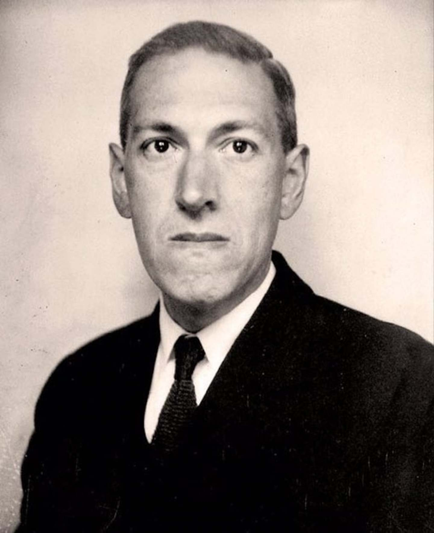 h-p-lovecraft-photo